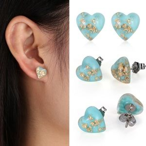 Jewelry - ♥️H.P 1/17♥️ Turquoise and gold heart earrings
